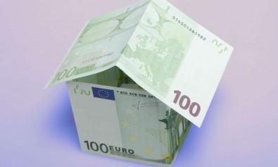 Maison et billets de banque