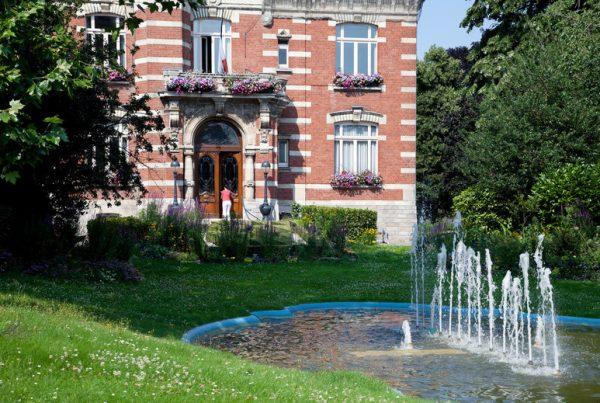 Photo Mairie de Hellemmes avec Fontaine
