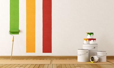 Murs et pot de peinture