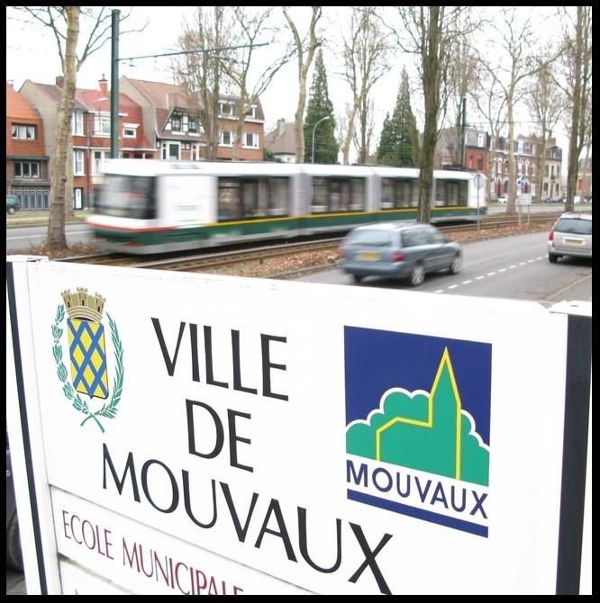 MOUVAUX Local commercial