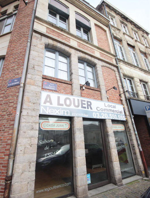 A LOUER – Local commercial Place Maurice Schumann – Vieux Lille