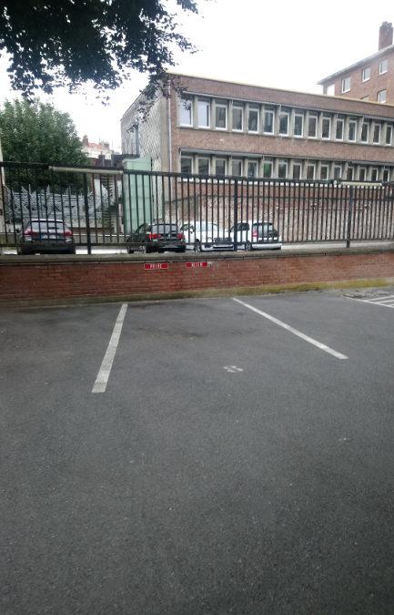 Place de parking, rue Nationale – CENTRE