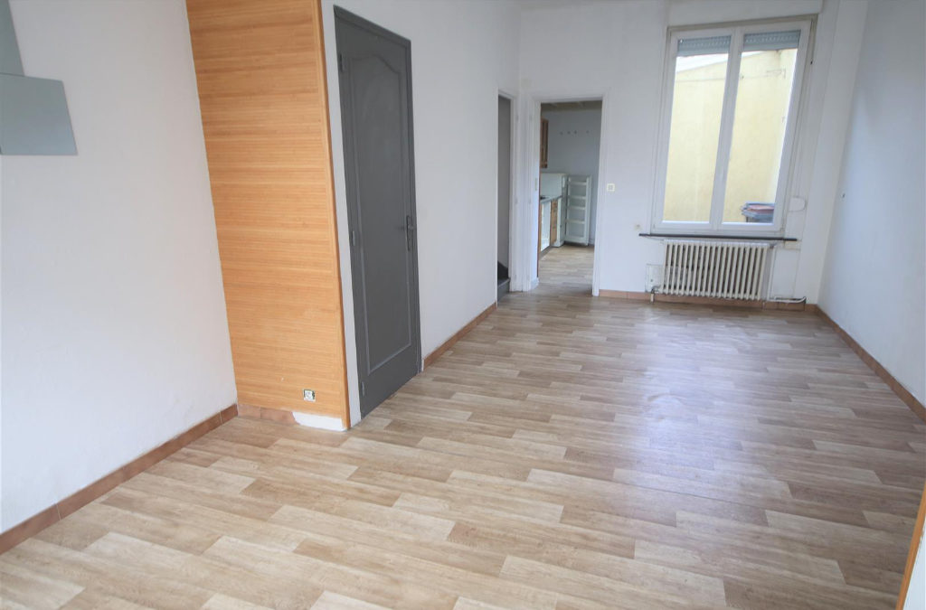 A VENDRE – Maison de type 3 bis avec exterieur et garage – Lille Fives