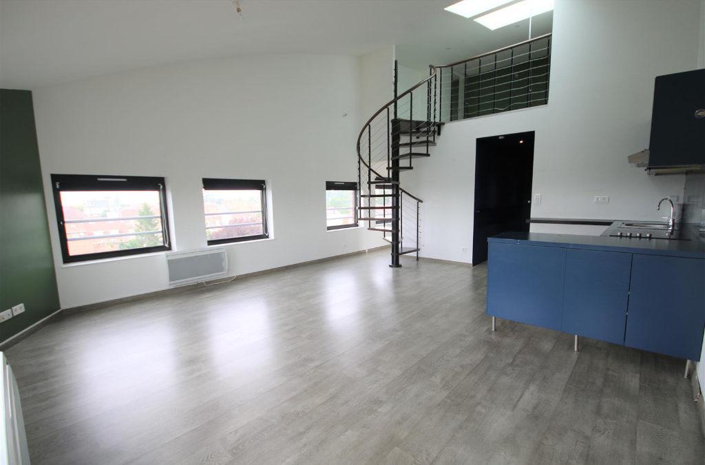 A VENDRE – T3 en Duplex de 70m² – RONCQ Blanc Four